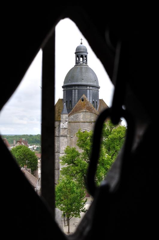 la collégiale Saint-Quiriace (XIIe siècle)