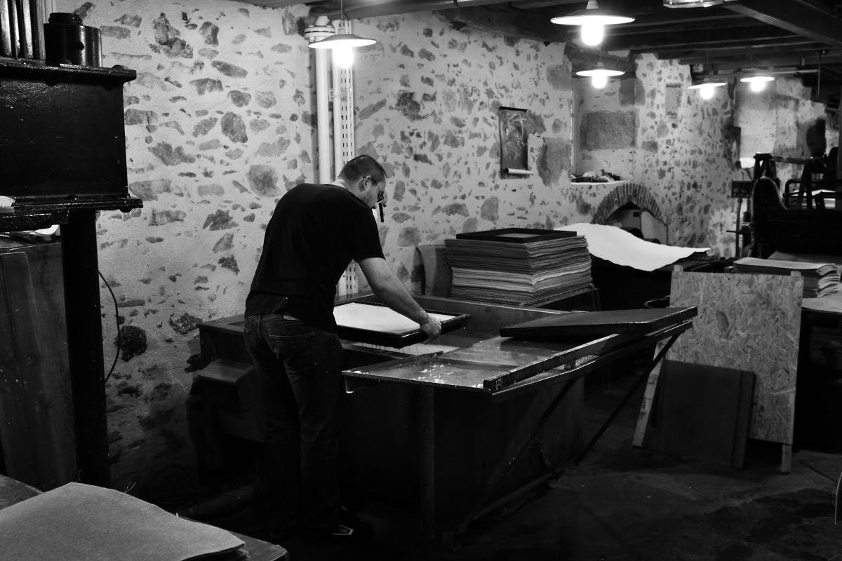Comment le papier était fabriqué à la main