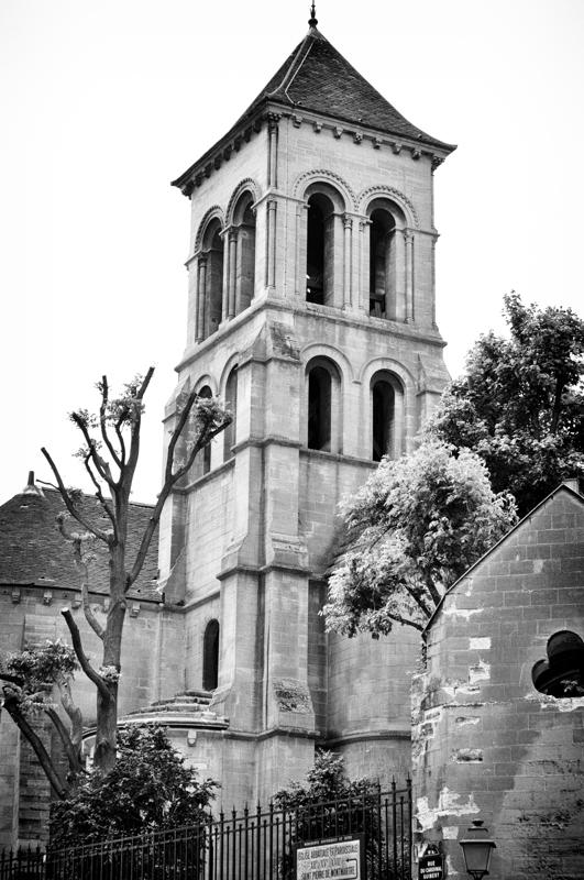 Eglise Saint-Pierre, jusqte à côté de la Basilique