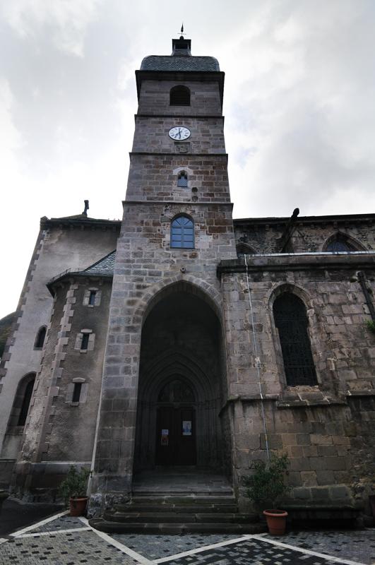 La collégiale  Notre-Dame des Oliviers, XIIème-XIVème