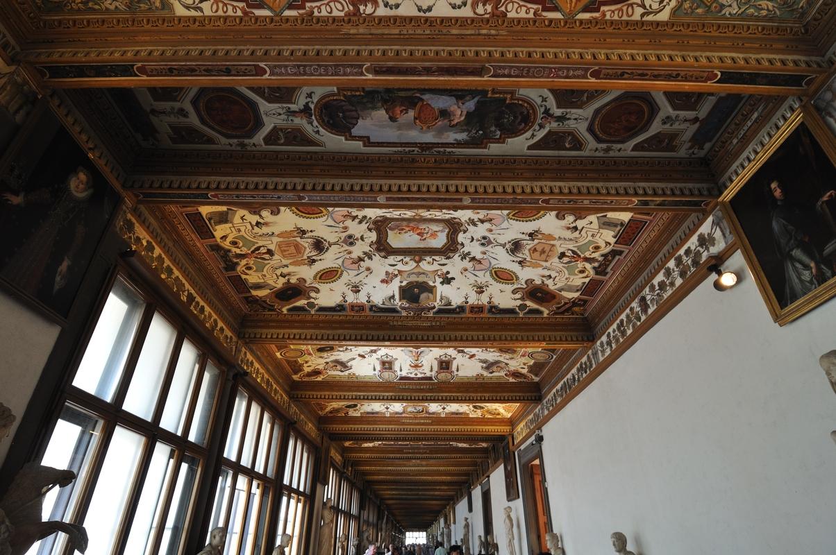Les corridors sont tous richement décorés